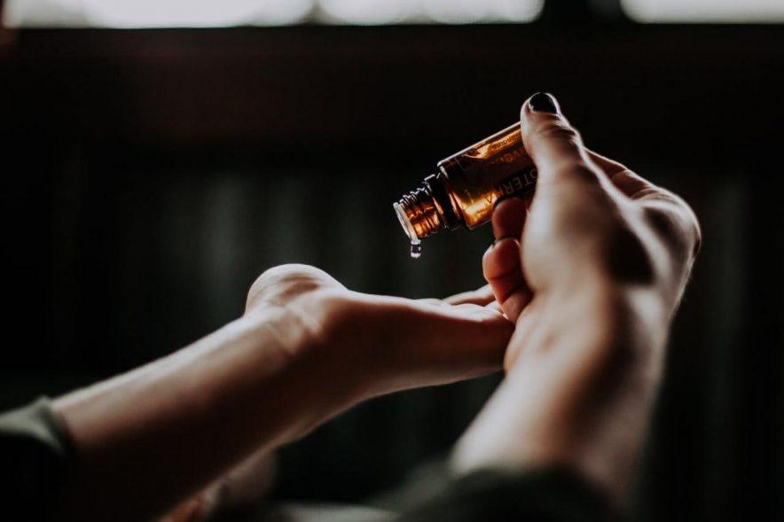 ¿Son efectivos los aceites esenciales para eliminar plagas de chiches?